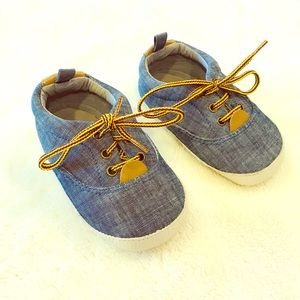 Baby boy toddler GAP shoes size 12-18 months